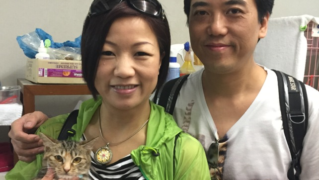 C892-Aileen with the adopter(2)