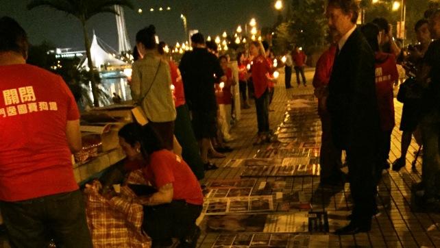 2015-09-30-Candlelight Vigil (2)