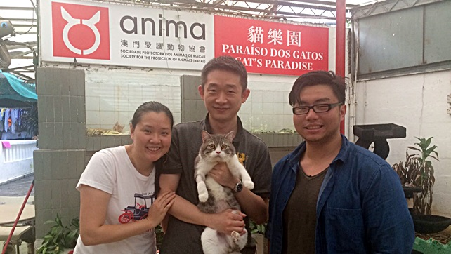 C1381-William with adopter (3)